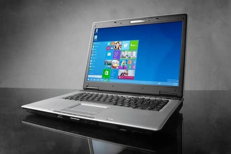 laptop con windows 10