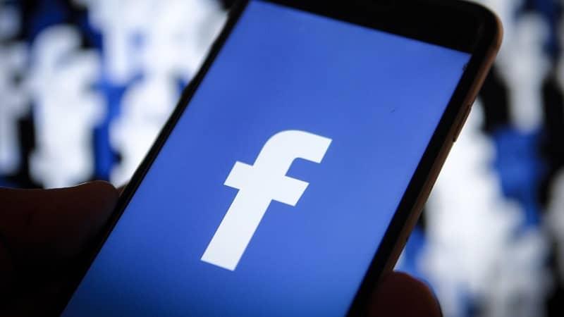 abriendo app facebook