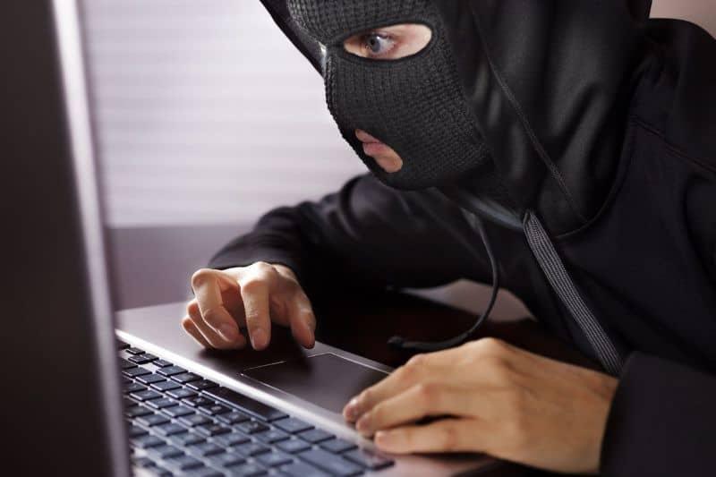 saber si me estan robando wifi