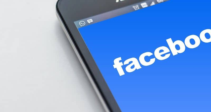 ocultar numero movil app facebook