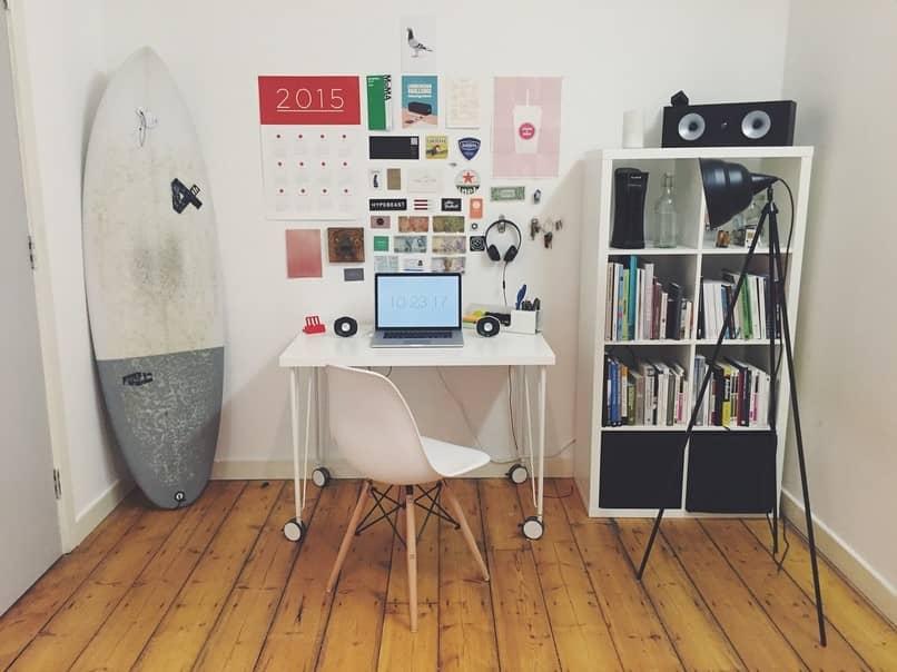 Oficina en casa escritorio