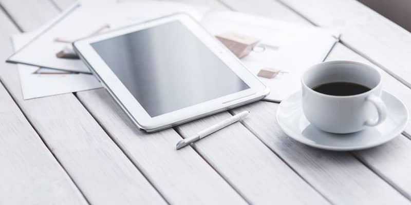 desayuno tablet blanca